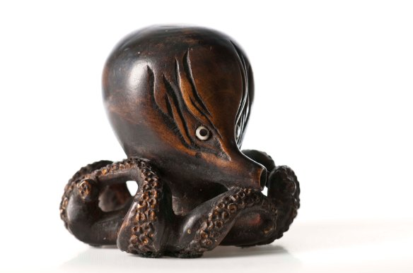 Netsuke, Japan, from the Black Collection, collection of  Hawke's Bay Museums Trust, Ruawharo Tā-ū-rangi, 37/100/